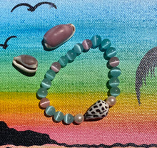 Load image into Gallery viewer, Seashell Stretch Australian Shell Bracelets