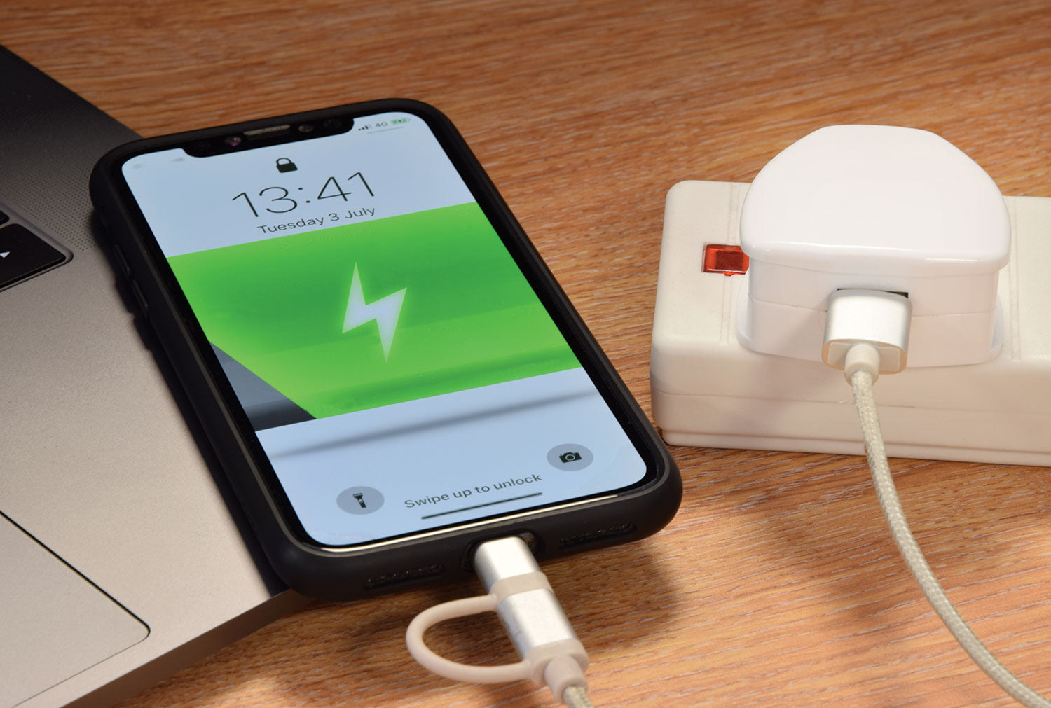 Quick-Charge 3.0 USB Mains Charger 18W | eav-online.com