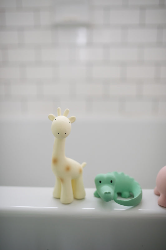 Tikiri Natural Rubber Teether | Zoo | Giraffe