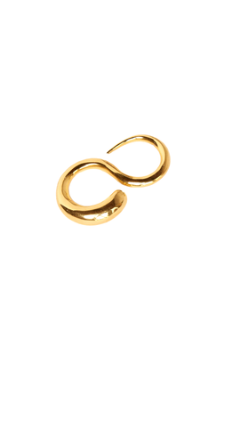 Crafted from lustrous gold-vermeil, The Khiry Adder Ring is a tapered two finger ring that slips onto the third and fourth finger. This sleek ring can be stacked with our Khartoum I Ring for minimalist yet sophisticated look.
