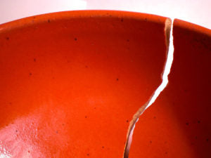 Hall's DIY: Fixing cracked ceramics