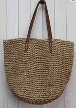 Load image into Gallery viewer, RAFFIA BUCKET BAG