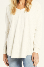 Load image into Gallery viewer, V-NECK LEO WEEKENDER PULLOVER