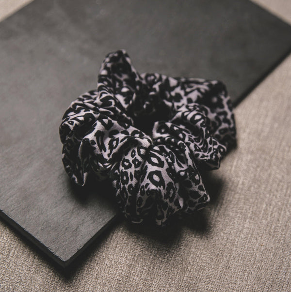 Behati Leopard Print Scrunchie - Grey
