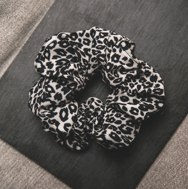 Behati Leopard Print Scrunchie - White