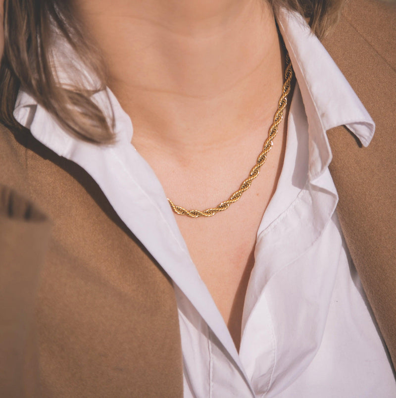 Maia Twist Chain Necklace - Gold