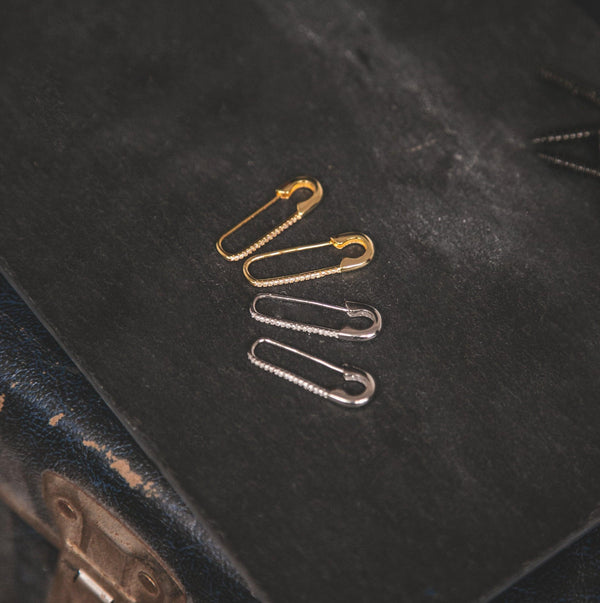 Iggy Safety Pin Drop Earrings - Gold