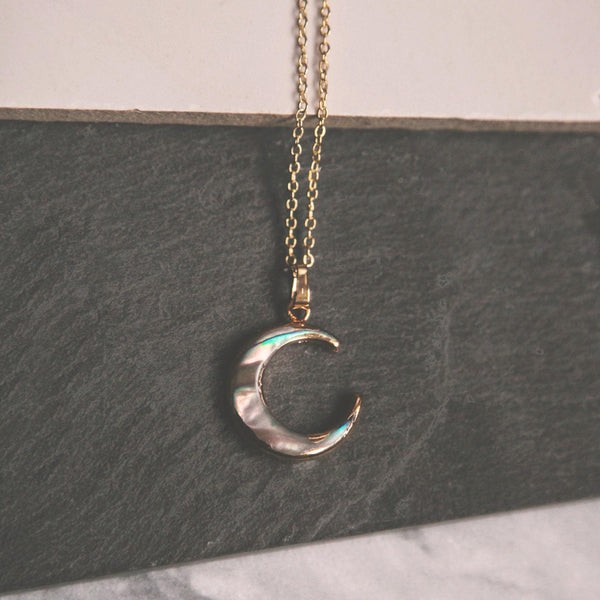 Aylin Abalone Shell Moon Necklace - Gold
