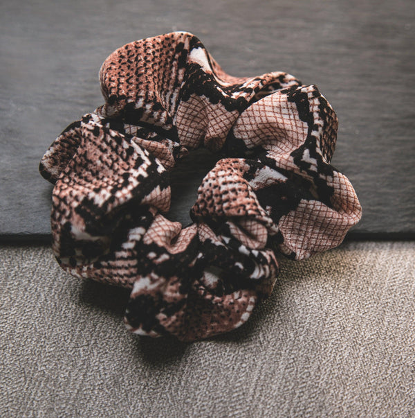 Zuri Snakeprint Scrunchie - Natural