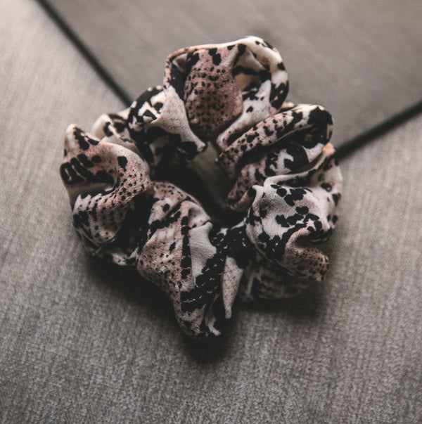 Zuri Snakeprint Scrunchie - Light Natural