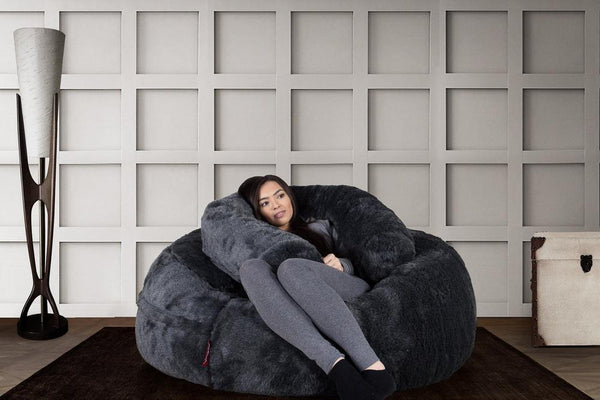 mammoth-fur-bean-bag-badger-black_02