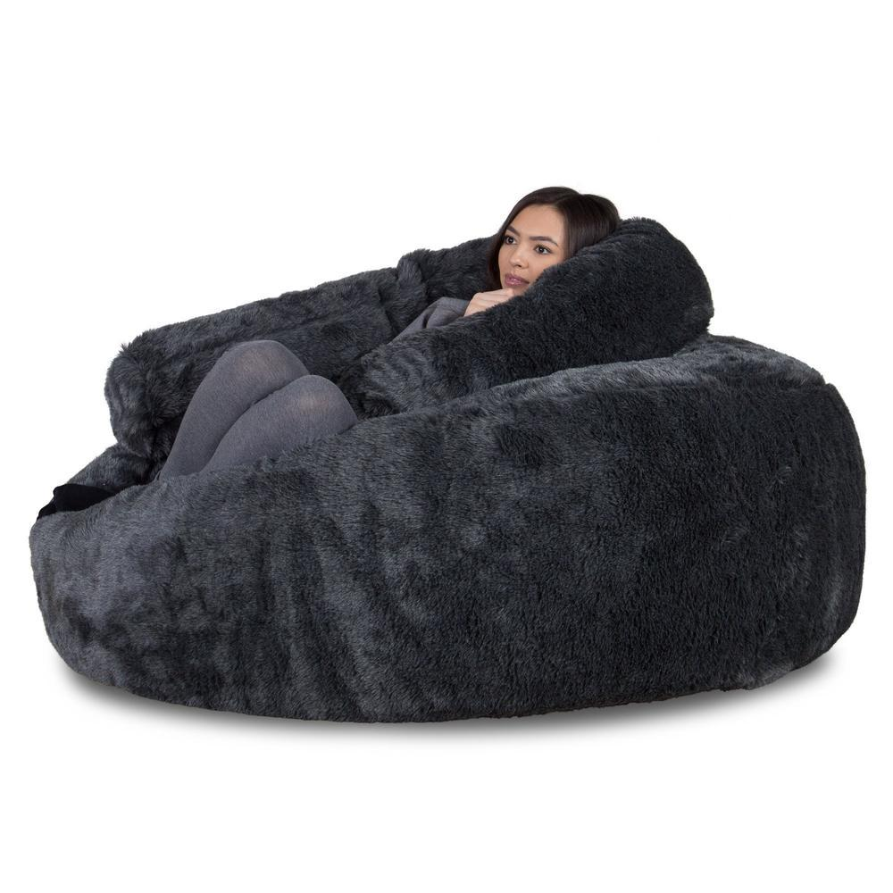 mammoth-fur-bean-bag-badger-black_01