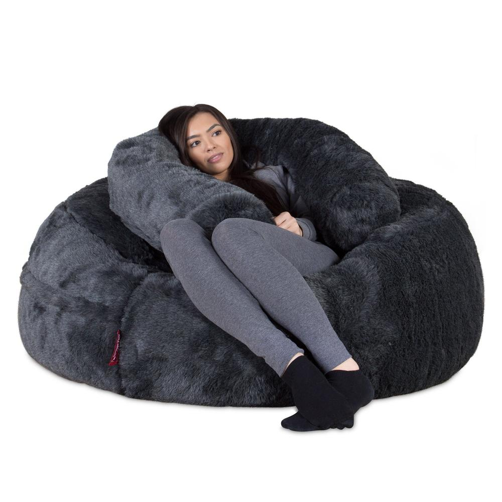 mammoth-fur-bean-bag-badger-black_03