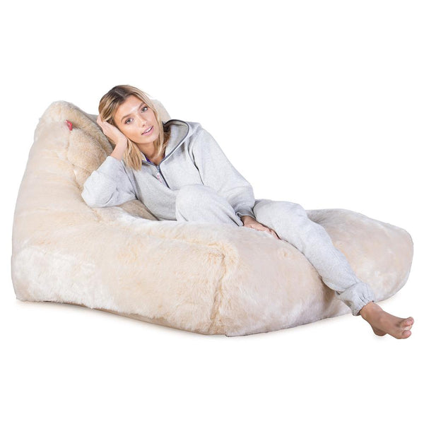 mega-lounger-fur-bean-bag-white-fox_01
