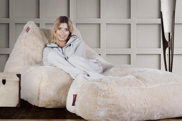 mega-lounger-fur-bean-bag-white-fox_02
