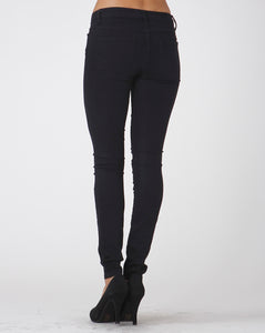 Everyday Effortless Stretch Skinny Jeans in Black
