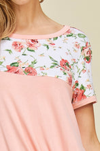 Load image into Gallery viewer, Look of Love Floral Color Block Top
