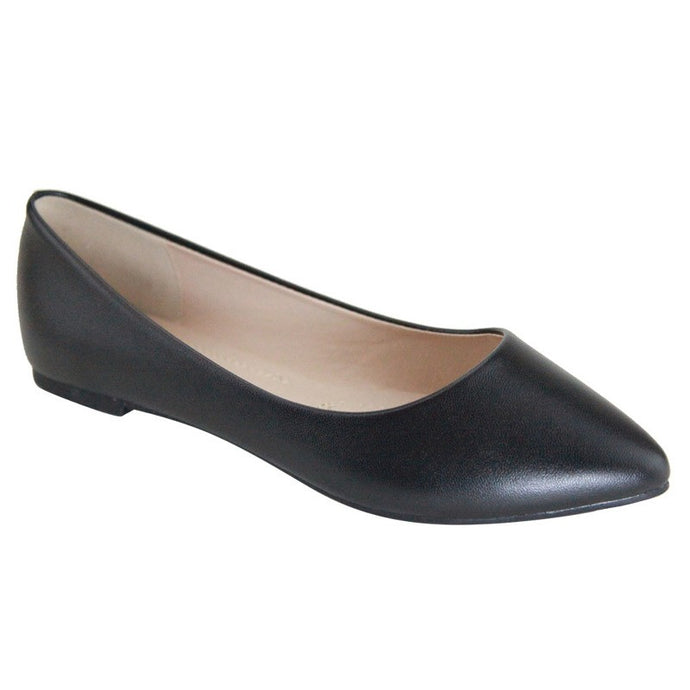 Sunday Stroll Pointy Toe Ballet Flat in Black