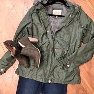 Carolina Girl Lined Windbreaker Jacket in Olive