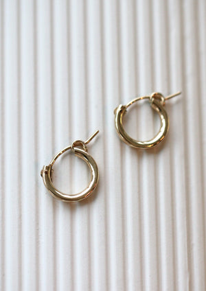 KW Huggie Hoops | Gold
