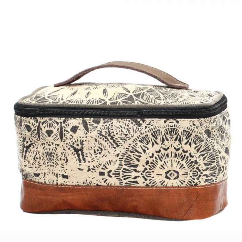 FLOWER DESIGN SHAVING KIT BAG from MYRA BAG