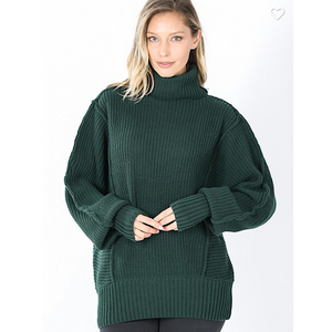 HUNTER GREEN TURTLE NECK SWEATER