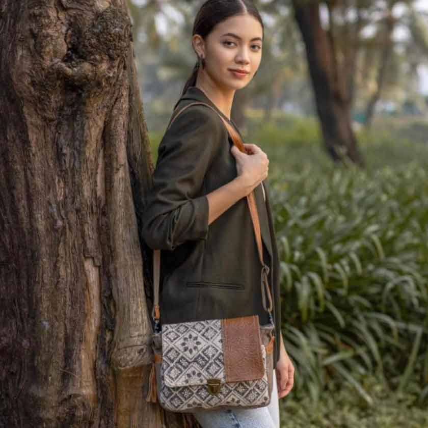 SPELL BOUND MESSENGER BAG - MYRA BAG