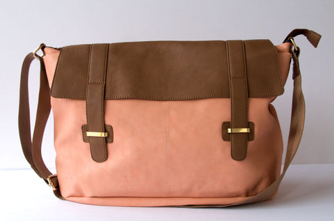messenger bag, bag, handbag, purse, boutique, Wicker Park, Chicago