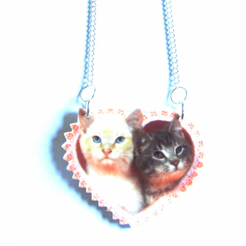 Gorgeous Kitsch Cats Love Heart Necklace