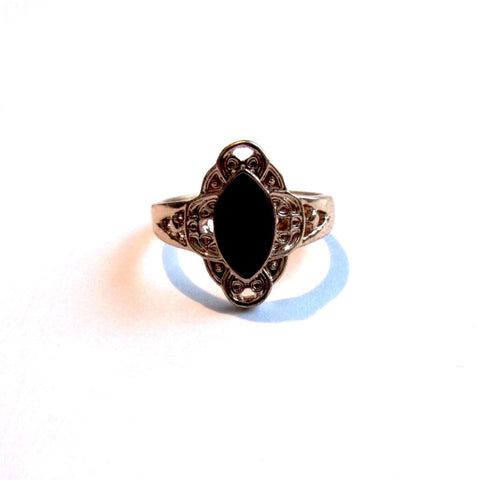 Lovely Baroque Style Gold Tone & Enamel Centre Ring