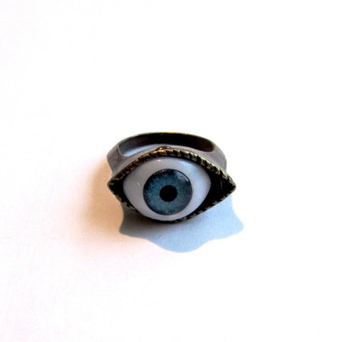 Dramatic Single Eye Set Fashion Ring