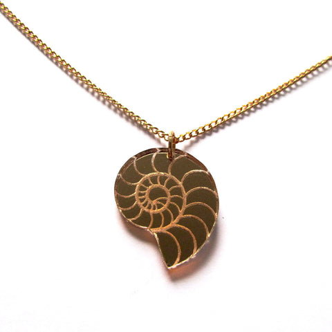 Kitsch Gold Mirror Conch Shell Laser Cut Acrylic Pendant Necklace