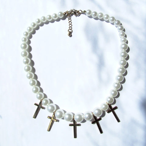 Pretty Pearl and Golden Crosses Fashion Necklace