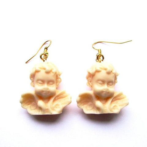 Kitch Quirky Winged Classic Cherub Statue Resin Drop Earrings – Nude