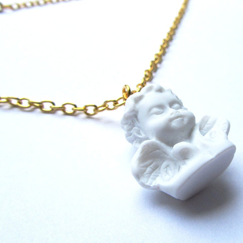 Fabulous Kitch Quirky Winged Classic Cherub Statue Resin Pendant – White