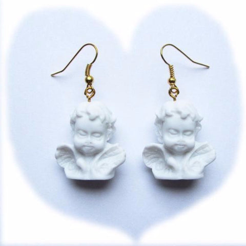 Kitch Quirky Winged Classic Cherub Statue Resin Drop Earrings – White