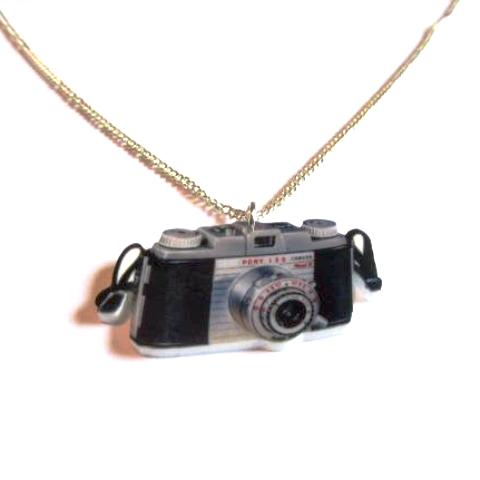 Snappy Retro Style Vintage Camera Acrylic Print Necklace