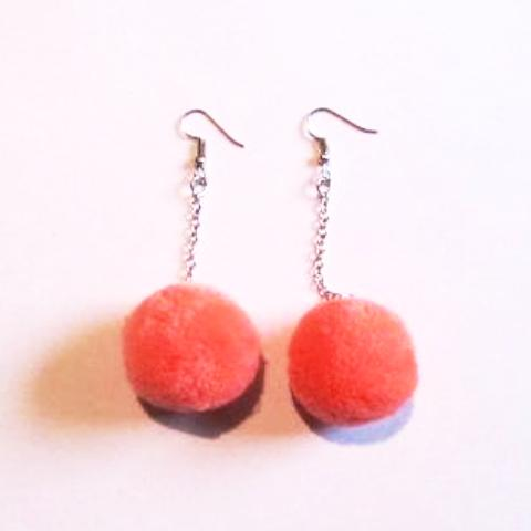 Pop Colour Pretty Pom Pom Drop Earrings – Salmon Pink