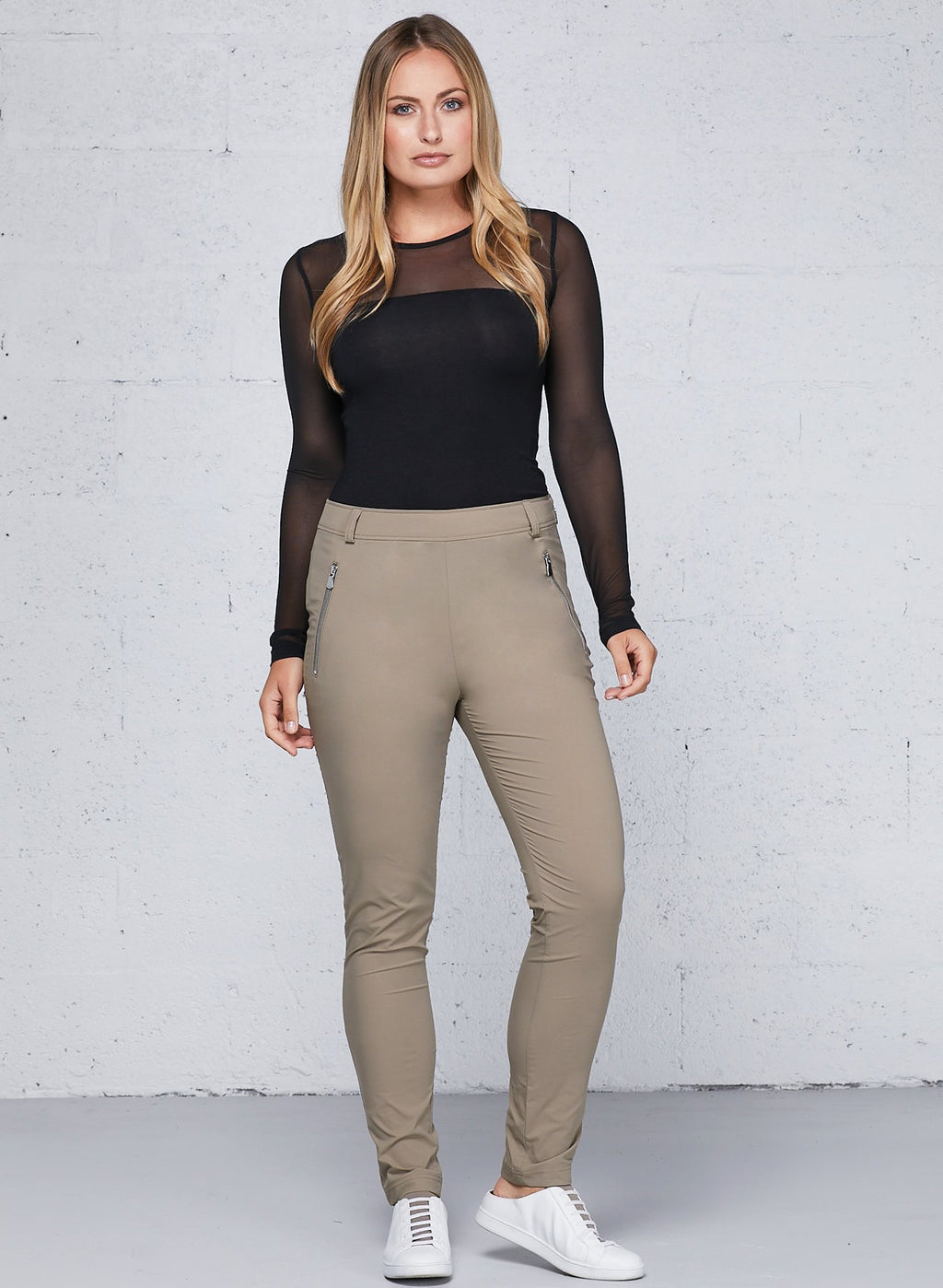 Marisa Pant With Zip pocket Details- Khaki