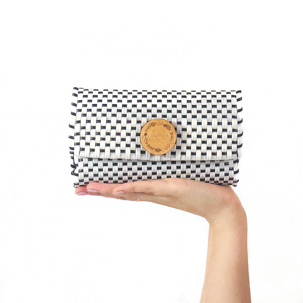 Handmade Mexican Trifold Wallet - Tesoro Mio - Checkers White and Black
