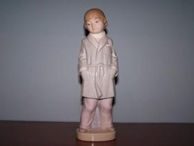 Boy With Robe - Lladró 4900
