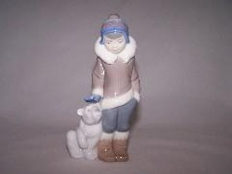 Eskimo Boy With Pet Figure - Lladró 5328