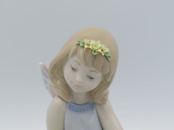 Retired Lladro Lily Pad Love fairy 6645