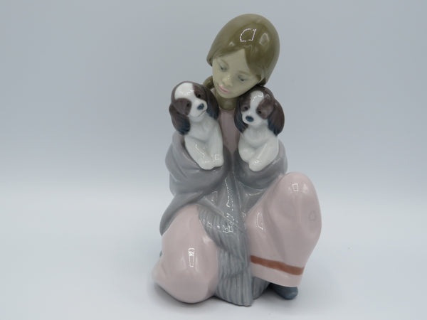 Retired Lladro Snuggle up 6226 dog figurine