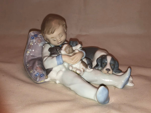 Retired Lladro sweet dreams 1535 sculpture
