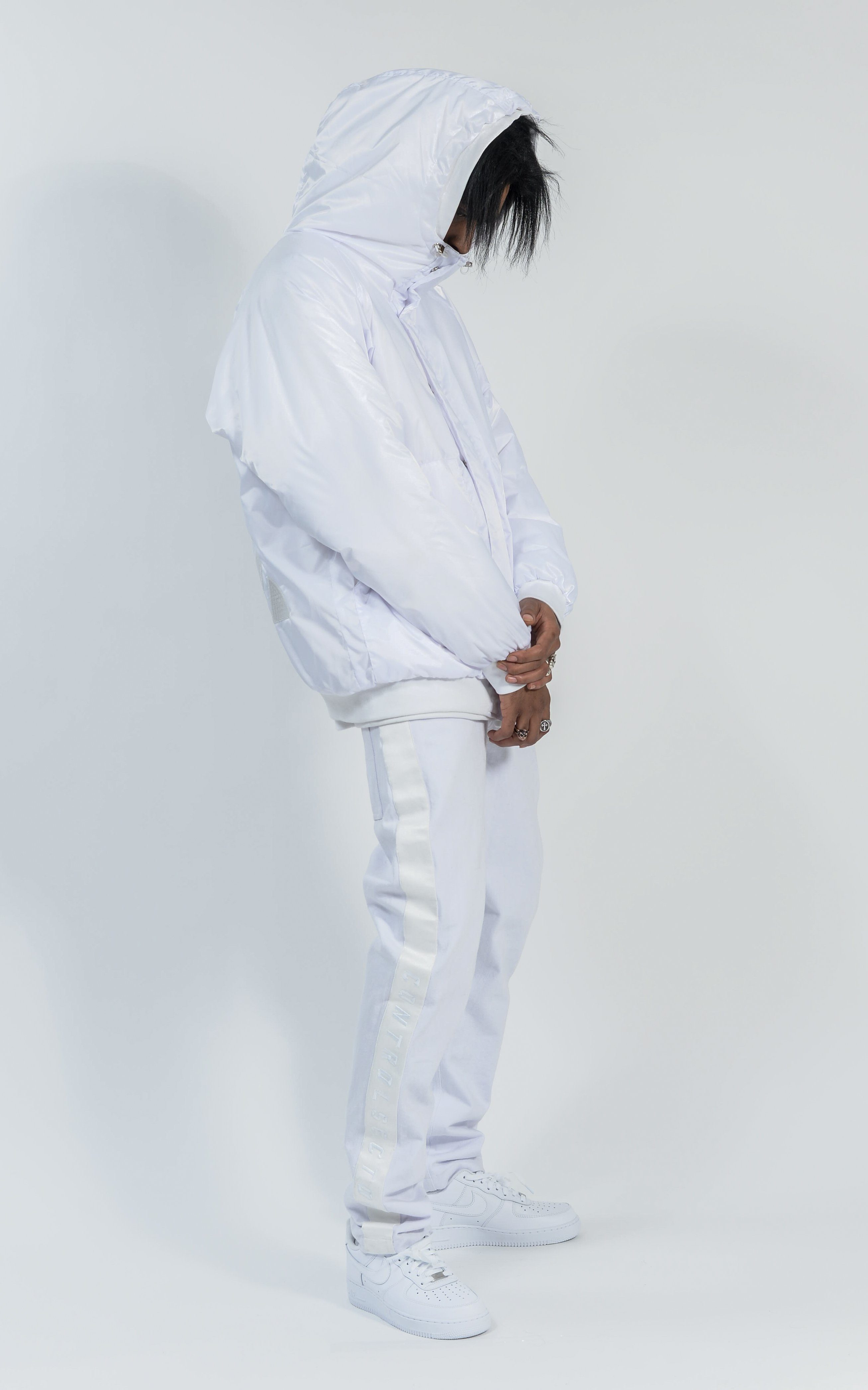 CON1730-04 HOODED DOWN BOMBER - WHITE