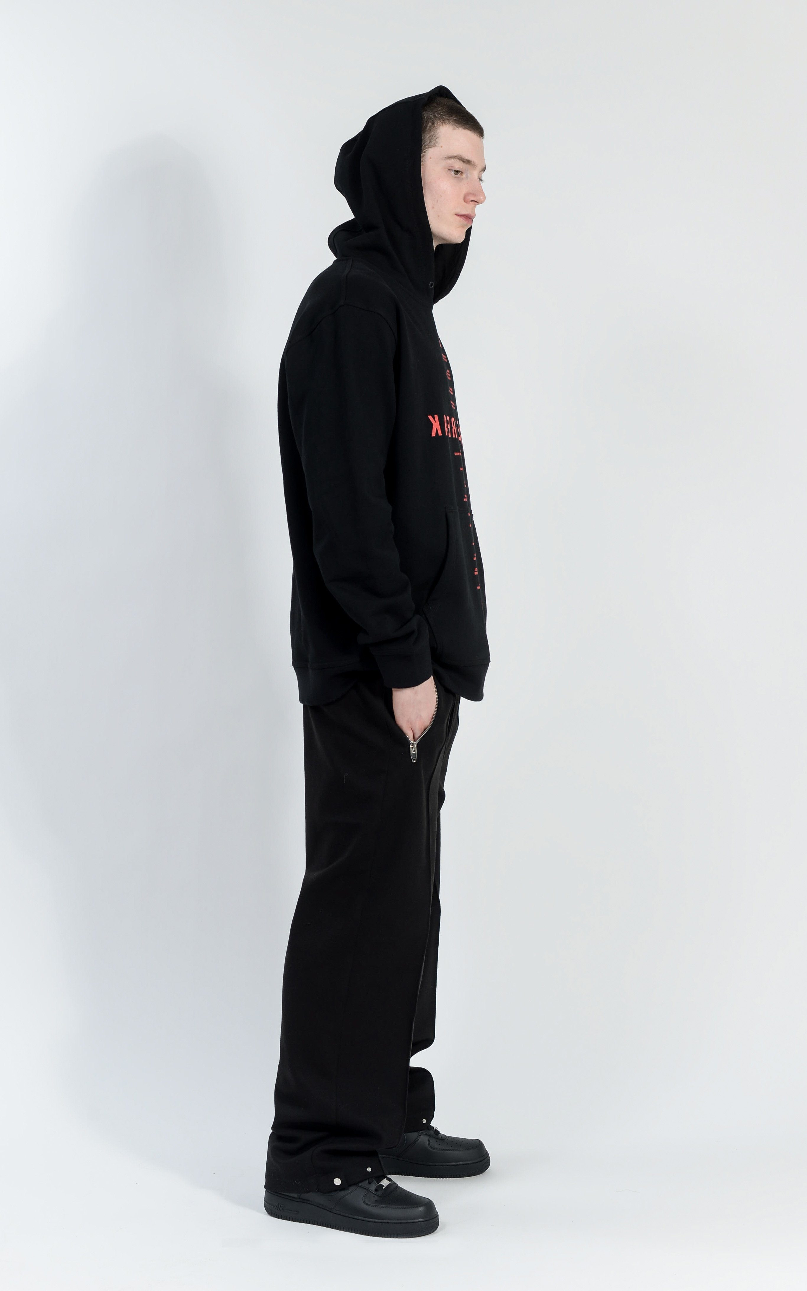 CON1715-01 FREE FREAK HOODIE - BLACK/ RED PRINT
