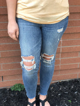 Load image into Gallery viewer, Judy Blue Medium Wash Distressed Skinnies