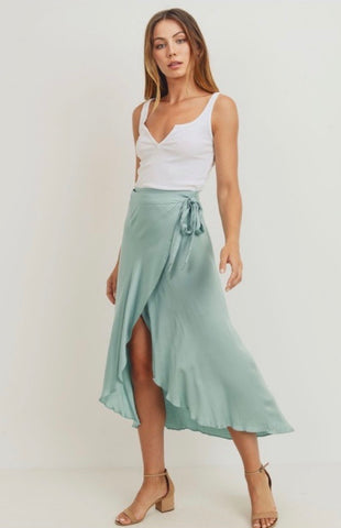 Asymetrical Belted Ruffled Skirt