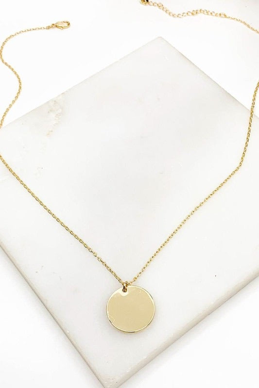 Round Medaillon Pendant Necklace